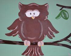 Kinderkamerkunst.Handgemaakt kinderschilderij Uil. 30x40 cm. Achtergrondkleur: Licht olijf-groen. Doek: canvas. Gemaakt door: www.byphilomena.nl