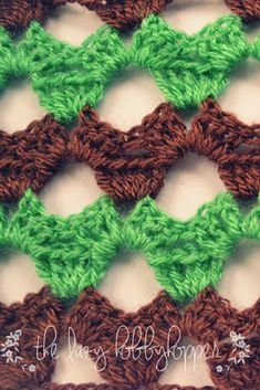 Crochet ric-rac pattern  Unique stitch pattern that plays with alternating color waves