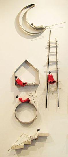 γλυπτα τοιχου κεραμικα διακοσμητικα τοιχου   Anastasaki Ceramics Wire Crafts, Diy And Crafts, Arts And Crafts, Ceramic Wall Art, 3d Wall Art, Diy Newspaper Decorations, Wall Sculptures, Sculpture Art, Paperclay