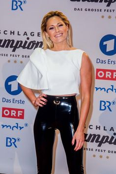 Helene Fischer attends Schlagerchampions-The big party - celebrity glamour pics addiction - Damenmode Spanx Leather Leggings, Leather Pants Outfit, Shiny Leggings, Latex Pants, Latex Dress, Legging Outfits, Pantalon Vinyl, Lederhosen Outfit, Mode Latex