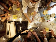 The real hands on! Chianti Wine, Italian Pasta, Tortellini, Cooking Classes, How To Cook Pasta, Hands, Eat