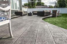 Butterfield Color Gilpin's Falls Bridge Wood Plank Concrete Stamps – Cascade Concrete Accessorie Concrete Backyard, Concrete Patio Designs, Cement Patio, Concrete Porch, Pergola Patio, Diy Patio, Backyard Patio, Backyard Landscaping, Pergola Ideas
