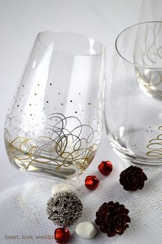 Metallic Sharpie Paint Pens - Christmas Glasses, DIY decorating glasses for the holidays. Super simple craft idea.