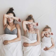 Mother Daughter Photos All That is Three Sister Photography, Creative Photography, Portrait Photography, Photography Kids, Mother Daughter Photography, Conceptual Photography, Photography Camera, Shooting Photo Amis, Mother Daughter Photos