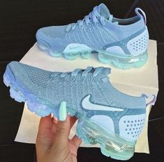 Schuhe nike sneakers womans - Lady Footwear Article Physique: Right Nike Shoes Blue, Nike Shoes For Sale, Nike Air Shoes, Blue Nike, Nike Shoes Outfits, Mode Outfits, Hype Shoes, Women's Shoes, Shoe Boots