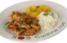 """#Poulet """"#tikka"""" à l'#indienne  Morceaux de poulet marinés dans un mélange de yogourt et épices.  Le poulet """"tikka"""" est un plat traditionnel indien. Il s'agit de morceaux de poulet marinés dans un mélange de yogourt et d'épices, enfilés sur des brochettes et cuits dans un four en argile appelé """"tandoor"""". On peut réduire considérablement le temps de marinade si l'on coupe le poulet en morceaux très petits, comme suggéré ici."""
