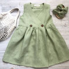 A selection of dresses for summer. Ideal for breathing Toddler Girl Outfits breathing Dresses iDeal selection Summer Frocks For Girls, Toddler Girl Dresses, Little Girl Dresses, Baby Dress Design, Baby Girl Dress Patterns, Baby Frocks Designs, Kids Frocks Design, Little Girl Fashion, Kids Fashion