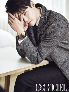 """With the success of his drama """"W – Two Worlds"""", Lee Jong Suk is showing up everywhere and that's more than okay with us. Showing us what classy means, he discussed with & Lee Jong Suk, Jung Suk, Lee Jung, Jung Yong Hwa, Asian Actors, Korean Actors, Young Male Model, Gu Family Books, Big Bang Top"""