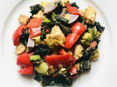 Téli színes, zöldséges egytál - HENI SÜT NEKED Fruit Salad, Cobb Salad, Pork, Ethnic Recipes, Sweet, Red Peppers, Kale Stir Fry, Candy, Fruit Salads