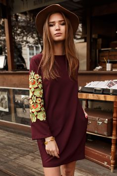 Вишукана сукня кольору марсала- Гойра