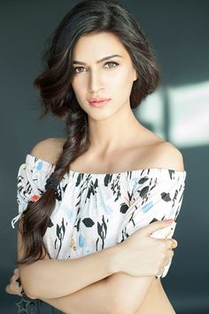 Hot Bollywood actress Kriti Sanon HD Wallpapers and Pic.Sexy WideScreen Wallpaper For Kriti Sanon .Hottest Kriti Sanon Wallpapers and Sexy Photos. Indian Celebrities, Bollywood Celebrities, Beautiful Celebrities, Beautiful Actresses, Most Beautiful Women, Bollywood Actors, Female Celebrities, Beautiful Bollywood Actress, Beautiful Indian Actress