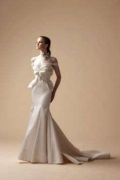 Gowns from Vivian Luk Atelier Ivory Collection #bridal #vivianlukatelier #ivory #wedding