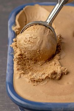 This vegan coffee ice cream is so good no one would ever guess it is vegan. Rich and creamy and deliciously coffee flavored. #vegan #dairyfree | lovingitvegan.com