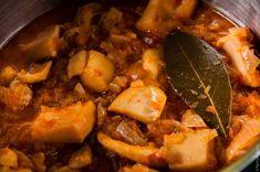 Σουπιές στιφάδο Seafood Dishes, Seafood Recipes, Snack Recipes, Cooking Recipes, Healthy Recipes, Greek Cooking, Greek Recipes, Pot Roast, Food Porn