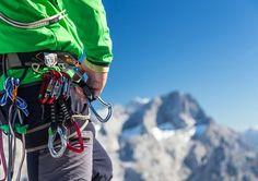 Kletterer mit Torstein im Hintergrund Bradley Mountain, Mount Everest, Sporty, Backpacks, Mountains, Bags, Travel, Summer Vacations, Horseback Riding