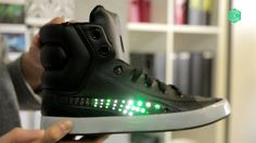TECH GATE: THE LED LIGHT SHOES??DIGITAL CLOTHING IS NOT A DREAM ANY MORE. LED LIGHT SHOE?? COOL.