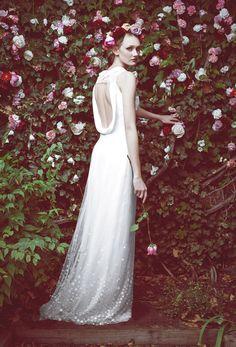 Honor for Stone Fox Bride http://www.vogue.fr/mariage/tendances/diaporama/le-meilleur-de-la-bridal-week-automne-2015/20884/image/1108411#!honor-for-stone-fox-bride