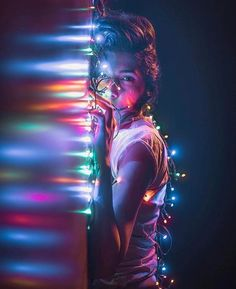 Beautiful portrait with lights effect by creatieve fotografie, Girl Photography Poses, Creative Photography, Amazing Photography, Portrait Photography Lighting, Fairy Light Photography, Photography Ideas At Home, Edgy Photography, Rainbow Photography, Photography Challenge