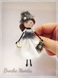 Wood Peg Dolls, Clothespin Dolls, Fairy Crafts, Doll Crafts, Christmas Figurines, Sewing Dolls, Clothes Crafts, Fairy Dolls, Felt Dolls