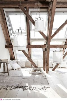 poutres apparentes, exposed beams in the white living room Interior Exterior, Interior Architecture, Industrial Architecture, White Interior Design, Attic Rooms, Attic Apartment, Attic Bathroom, Apartment Layout, Bathroom Modern