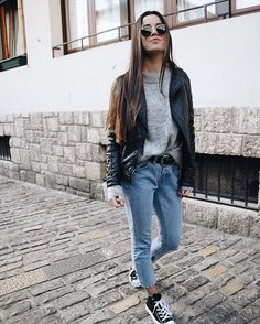 Take a look at 25 cozy winter outfits with sweaters in the photos below and get ideas for your own outfits! Uni Outfits, Mode Outfits, Fall Outfits, Casual Outfits, Fresh Outfits, Grunge Outfits, Summer Outfits, Fashion Outfits, Net Fashion