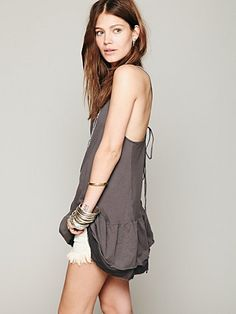 Simple and nice summer dress, it shoulf be DIY-able from big shirt... :)