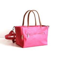 Pink Fuchsia handbag with leather handles  Modern  by alfastudio