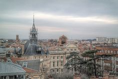 Toulouse+-+Thislively+city+has+good+restaurants,+typical+architecture+for+Southern+France,+and+a+few+UNESCO+World+Heritage+Sites.