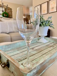 One Orrefors Swede Crystal Claret / Bordeaux Wine Glass Illusions Clear Pattern REPLACEMENT TYCAALAK Crystal Wine Glasses, Champagne Glasses, Green Bubble, Bordeaux Wine, Dom Perignon, Twelve Days Of Christmas, Brass Lamp, White Wine, Illusions
