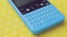 El primer teléfono del mundo con un botón de WhatsApp