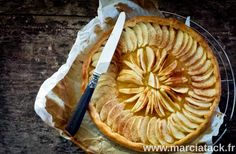 La simplicité a du bon, mais ça n'empêche pas cette recette d'être la meilleure tarte aux pommes !