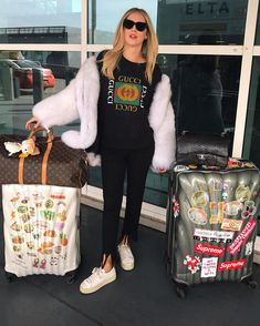 "133.7 mil curtidas, 673 comentários - Chiara Ferragni (@chiaraferragni) no Instagram: ""Off to Harvard  #TheBlondeSaladGoesToHarvard (also you can buy our Samsonite suitcase on our…"""