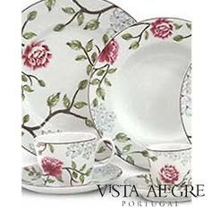 Beautiful porcelain set from Vista Alegre, Portugal Lovely Things, Plates, My Style, Tableware, Beautiful, Home, Licence Plates, Dishes, Dinnerware