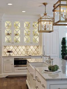 Modern Kitchen Interior Remodeling Pretty Interior Kitchen Design Ideas, Color Scheme for tiles, cabients and lightning fixture ideas Luxury Kitchen Design, Best Kitchen Designs, Luxury Kitchens, Interior Design Kitchen, Cool Kitchens, Modern Interior, Coastal Interior, Dream Kitchens, Interior Ideas