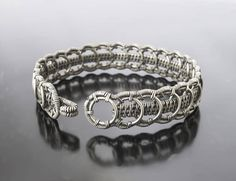 Questo articolo non è disponibile. - Celtic Bracelet Celtic Jewelry Wire Wrapped Bracelet Wire Effektive Bilder, die wir über jewelry r - Wire Wrapped Bangles, Metal Bracelets, Ankle Bracelets, Wire Jewelry, Silver Jewelry, Jewlery, Diamond Jewelry, Silver Ring, Celtic Bracelet