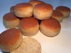 Krydderboller – lækkert til søndags-brunch Danish Food, Dough Recipe, Bread Baking, Rolls, Food And Drink, Healthy Recipes, Snacks, Desserts, Buns