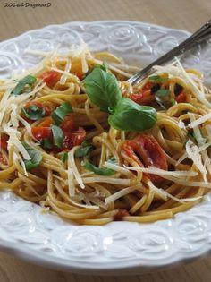 Spaghetti pomodoro e basilico