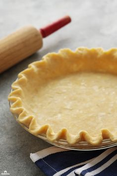 cookie butter pie Forget everything you know about pie crust making! This recipe uses an unconventional mixing method, to create the flakiest, most flavorful all-butter pie crust, tha Pie Dough Recipe, Pie Crust Recipes, Pastry Recipes, Baking Recipes, Dessert Recipes, Cookie Pie Crust Recipe, Pumpkin Pie Crust Recipe, Tart Crust Recipe, All Butter Pie Crust