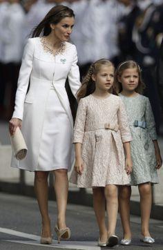 Cerimónia da proclamação de Felipe VI - 2014.06.19 Rainha Letizia, Princesa Leonor e Infanta Sofia