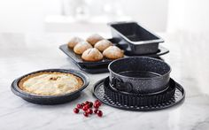 Our non-stick bakeware make great gifts for the baker in the family! Eggnog Cake, Baking Set, Key Lime Pie, Bakeware, Griddle Pan, Kitchenware, Holiday Gifts, Good Food, Homemade