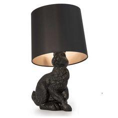 Rabbit tafellamp van designmerk MOOOI. De lamp is gemaakt in de vorm van een levensecht konijn. Geeft een warm licht. Koop de MOOOI Rabbit tafellamp online.