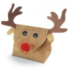 A Bit of Bees Knees: DIY: Reindeer Gift Bags - Rentier basteln Preschool Christmas, Christmas Activities, Christmas Crafts For Kids, Holiday Crafts, Party Crafts, Diy Party, Wrapping Ideas, Present Wrapping, Diy Holiday Gifts