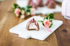 Pullahiiren leivontanurkka: Herkulliset pusut mansikanmakuisella vaahdolla ja ... Charcuterie Board, Panna Cotta, Sweets, Snacks, Cake, Ethnic Recipes, Desserts, Coffee, Food