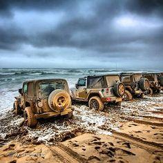 """JeepWave next level www.jeepbeef.com __________________________________ by @4x4nolimits """"Trilha feita pelo nosso amigo @naeif.a! Foto tirada no final da trilha, somente #Jeep's na foto!!"""" #jeepbeef #Padgram"""