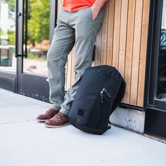 The classic single cavity day bag elevated. Quick access, intuitive layout, incredible laptop carry and durable and weather resistant materials make the go to everyday backpack for your active lifestyle. Textured Yarn, Dark Khaki, Body Contouring, Day Bag, Lining Fabric, Shoulder Pads, The Incredibles, Backpacks, Zip