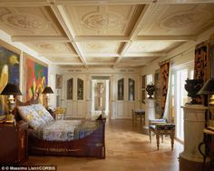 Casa Casuarina, the ten bedroom 11 bathroom South Beach, Miami, Florida mansion once home to Gianni Versace is now a hotel owned by Peter Loftin. Casa Versace, Versace Miami, Versace Mansion, Versace Home, Gianni Versace, Miami Beach, South Beach, Beautiful Interiors, Beautiful Homes