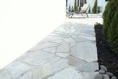 Kaunis liuskekivi, Lokka. #liuskekivi #betonilaattaoy #piha