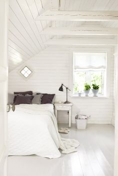 Red and blue bedroom as inspiration by amie Gray and white bedroom with brick wall White room.lovely bedroom A frame for photos. Serene Bedroom, Beautiful Bedrooms, Dream Bedroom, Bedroom Small, Calm Bedroom, Airy Bedroom, Summer Bedroom, Attic Remodel, Attic Renovation