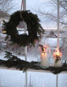 Window Decor Ideas for Christmas 24