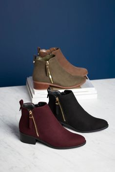 Pick a colour. These ankle boots come in a whole host of different shades, so it might be difficult to choose just one pair. Step up your winter walk with khaki or berry tones, or keep it classic in black or tan.